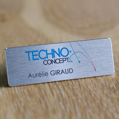 Magnetic personalized badge